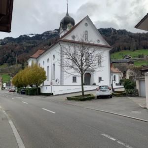 Beckenried St. Heinrich und Andreas Aussenansicht (2)