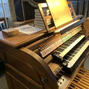 Beckenried St. Heinrich und Andreas Orgelspieltisch (2)