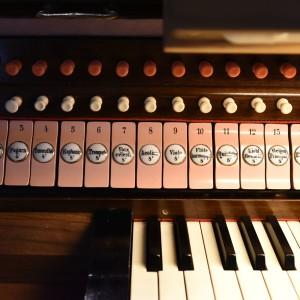 Beckenried St. Heinrich und Andreas Orgelspieltisch (4)